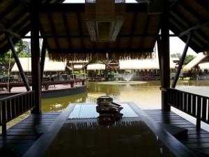 View Saung Sampireun (foto: koleksi pribadi)