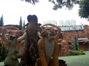 Patung Karakter Ice Age (foto: Syaifuddin)