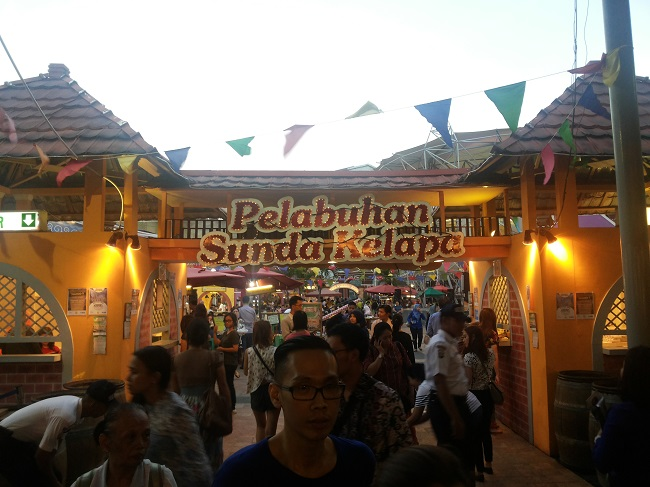 Suasana Kampoeng Tempo Doeloe (foto: koleksi Pribadi)