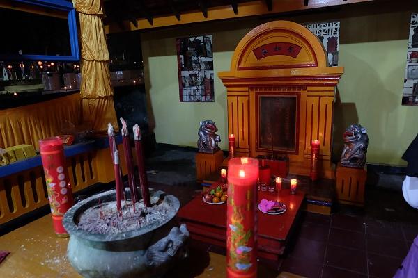 Altar Doa Bagi Leluhur